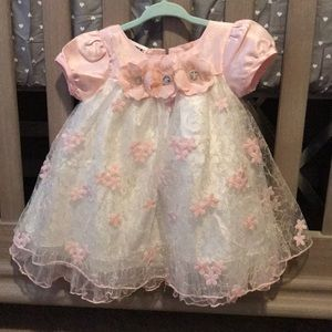 Worn once blueberi boulevard pink/white dress 12M